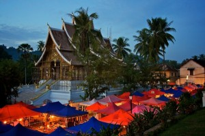 Laos_-_Luang_Prabang_-_Night_market